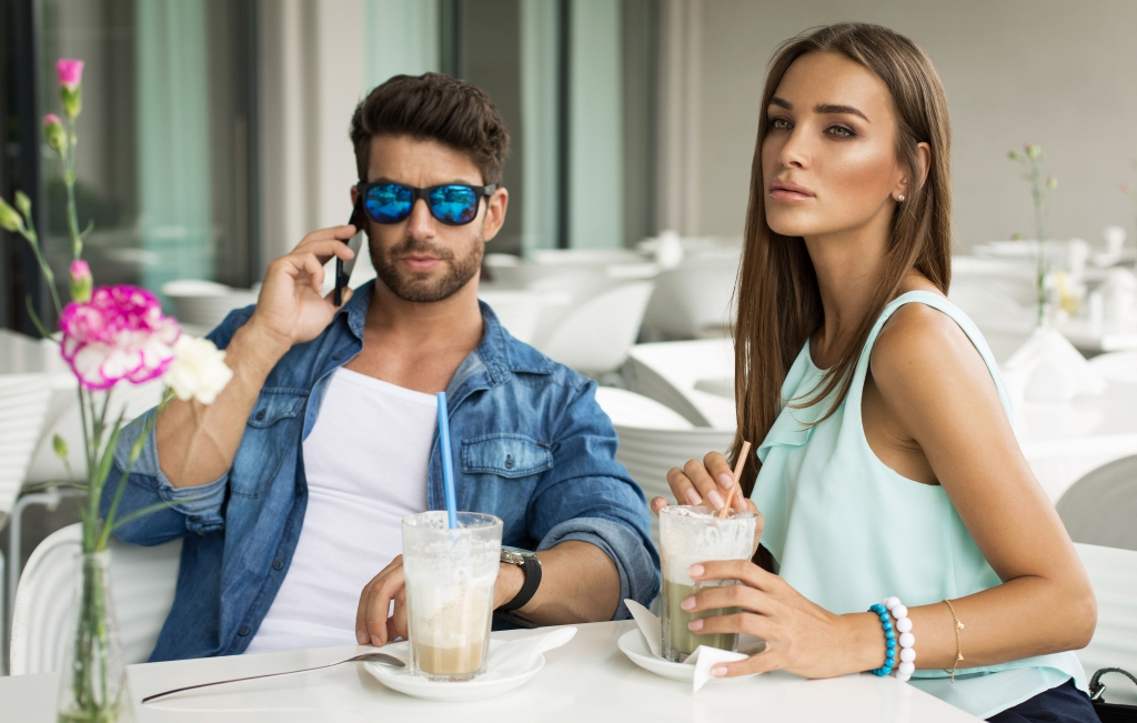 rozmowy telefoniczne przez Internet siedemnaście porad dotyczących randek w czasopismach